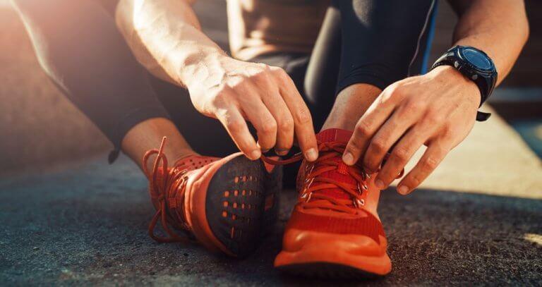 運動をする男性