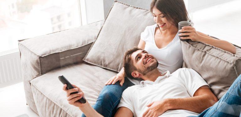 ハグやキスなどのコミュニケーションもセックスレスを回避するには不可欠な要素です。