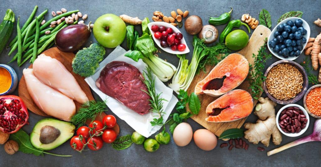 アルギニンは、肉や魚、大豆の食材に多く含まれいています。