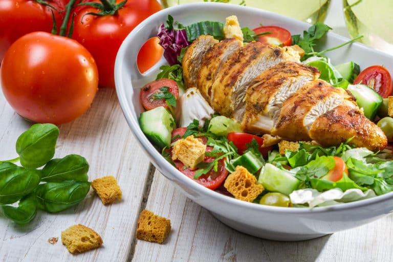 低カロリー高タンパクのサラダチキンは最強の精力アップフード
