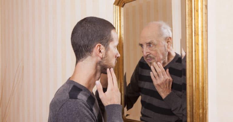 衰弱性早漏は加齢も原因になる。