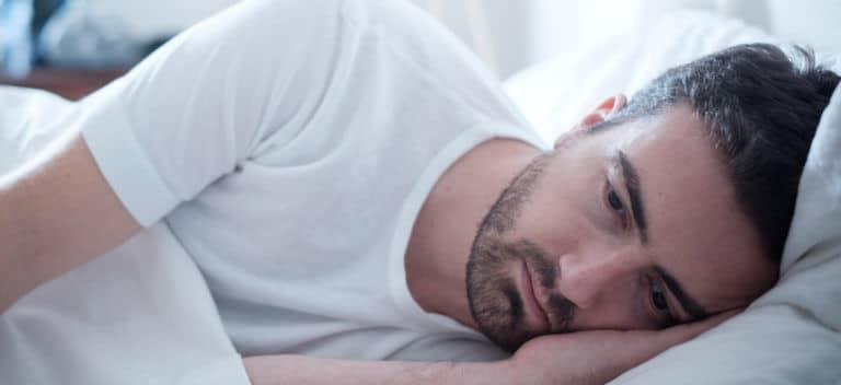 ストレスや疲労感を強く感じる中で睡眠につくことでも夢精が発生する可能性があります。