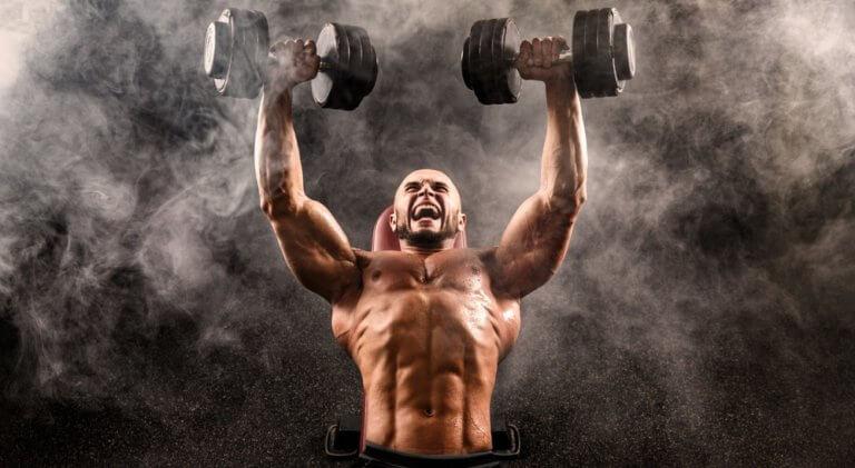 筋力の多い男性