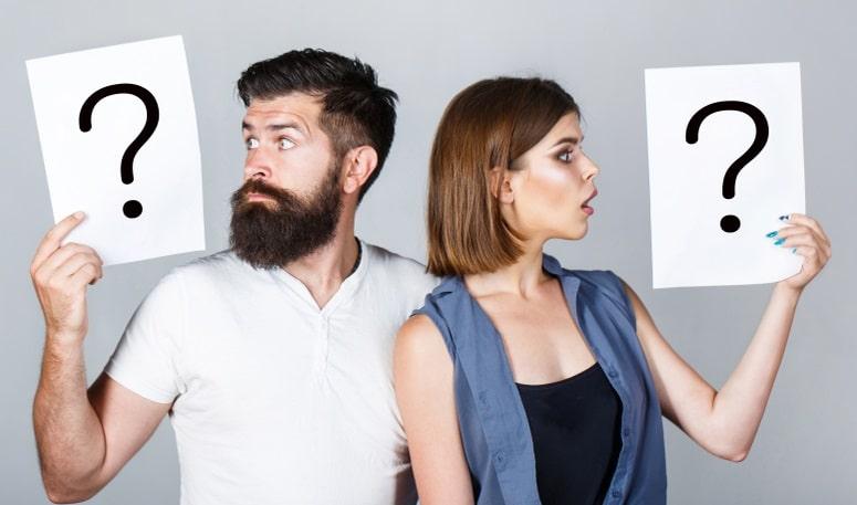 妊娠に関する疑問を持っているカップル