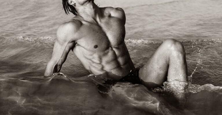 きれいな体の男性