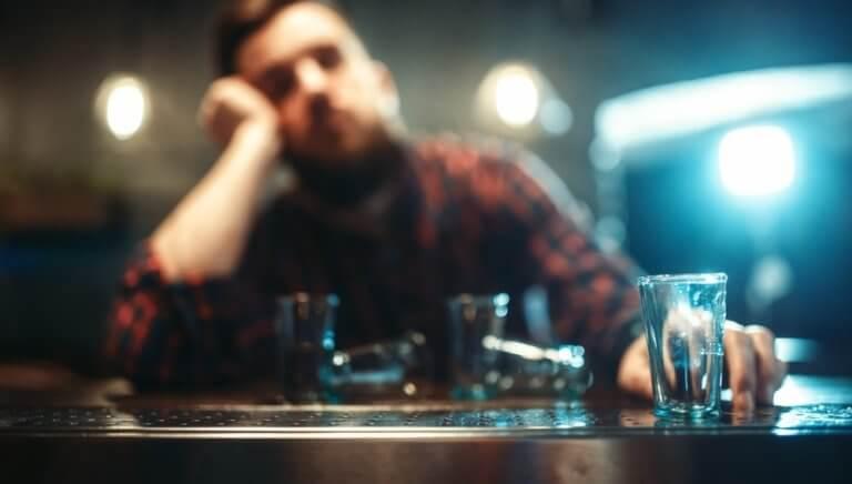 飲酒をしている男性