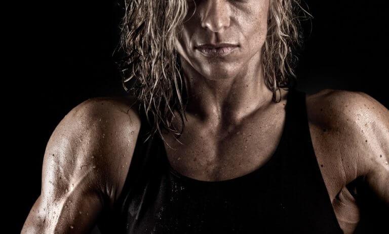 テストステロンが豊富な女性の顔つき
