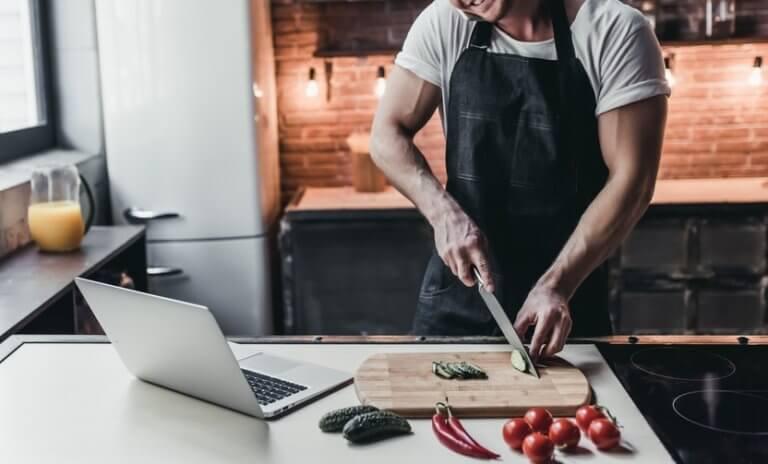 料理の趣味を持っている男性