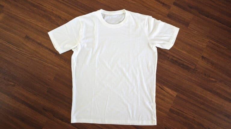 童貞っぽいしわだらけのシャツ