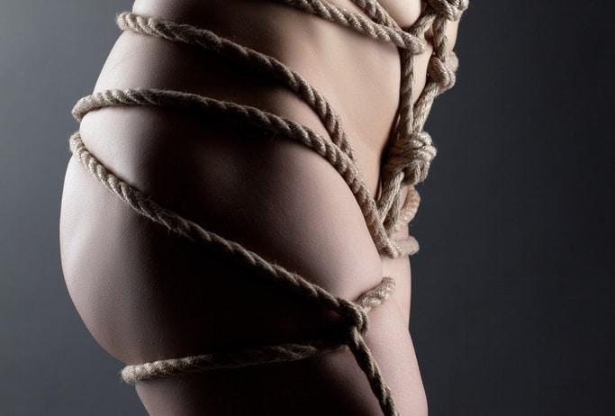 縛り方②股縄縛り