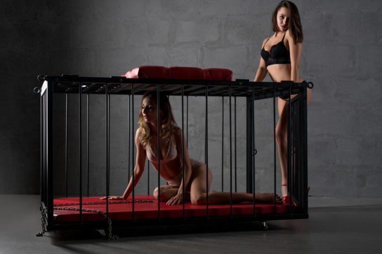檻の中で放置プレイ