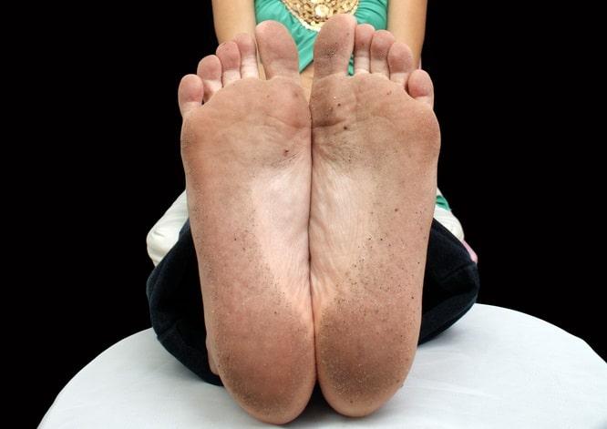 足の匂いが臭い女性