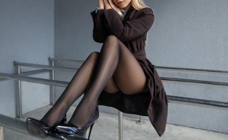 綺麗な女性の足の匂い