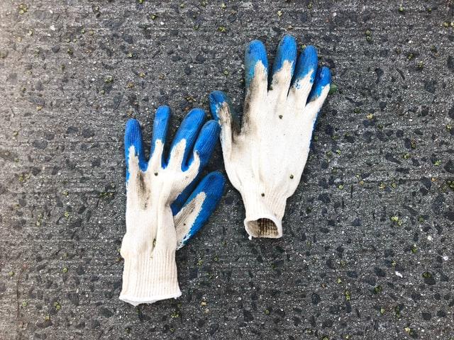 使い古した手袋