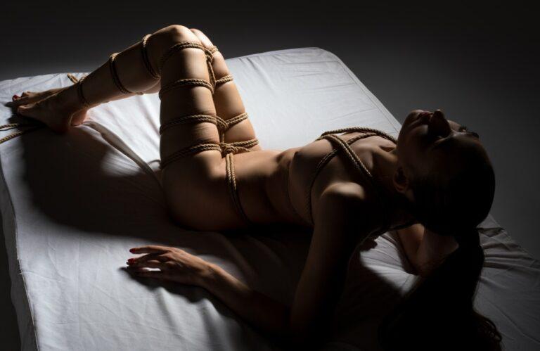 人間ベッド
